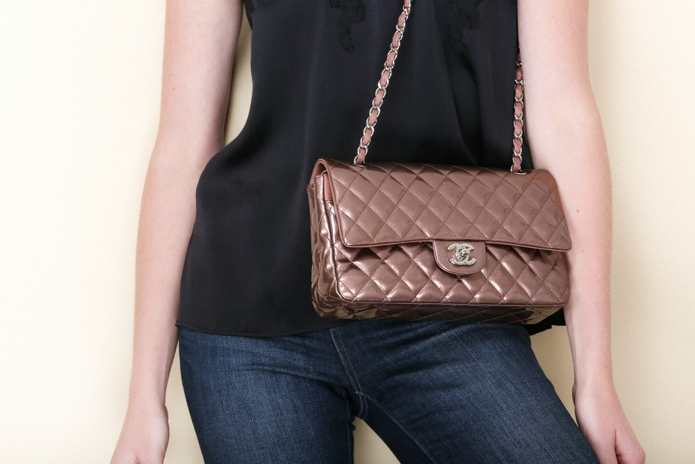 """HCC33 Fonce Quilted Striated Patent 10"""" Medium Double Flap Classic Bag"""